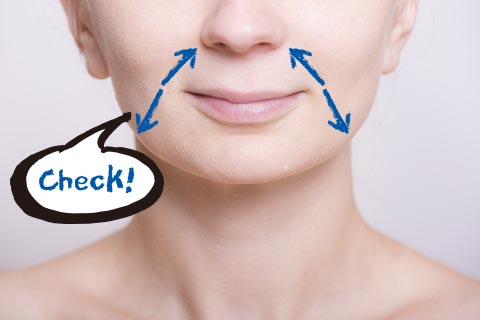 大腸の不調を確認するフェイスマッサージ