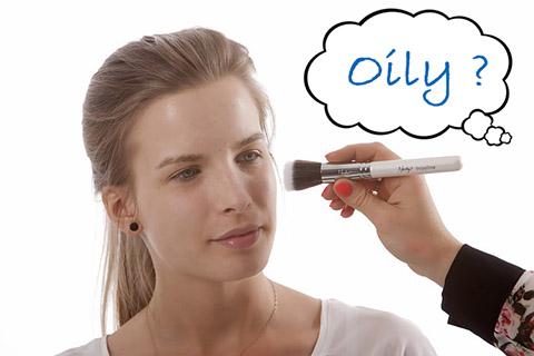 テカりで化粧崩れ!オイリー肌・脂性肌のメイクをアドバイス