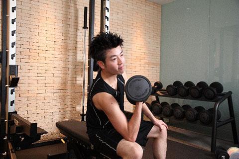 上腕二頭筋は使われやすい筋肉