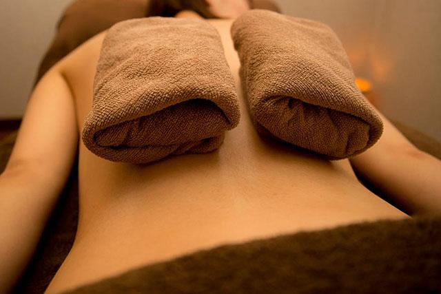 ホットこんにゃく湿布の効果とやり方!家庭でできる自然療法