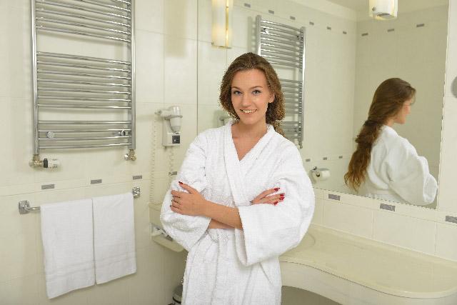 お風呂で顔パックしてラップ!サロンのお客様が生んだ保湿法