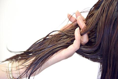 ヘナの髪の染め方