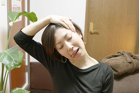 顔のストレッチの方法5