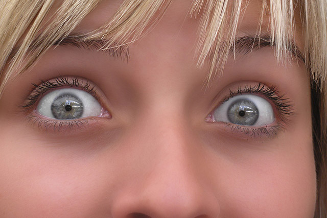 ぱっちり目を大きくする方法2つ!経絡とリンパの循環を改善