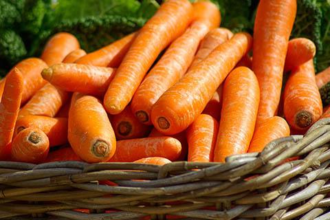 乾燥肌に良い食べ物 ビタミンの含まれている食べ物