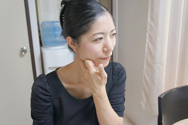 顔が四角い…顎のむくみを解消する!咀嚼筋をほぐす方法2つ