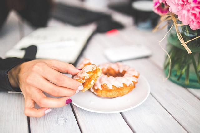 最近よく耳にする「糖化」とは?肌が糖化するとどうなるの?
