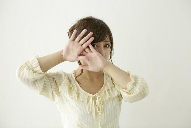 毛穴が目立つ…毛穴の開きの原因は?毛穴を小さくするには?