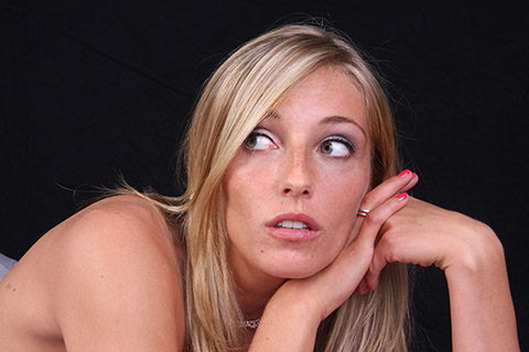顔が四角い原因と自分で改善する方法!顔筋ほぐしマッサージ!プロに聞く