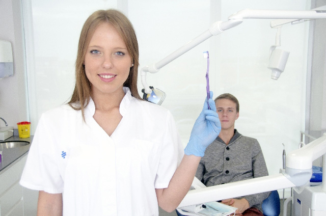 歯磨きの方法とは?歯を白くするための歯磨きのポイント6つ