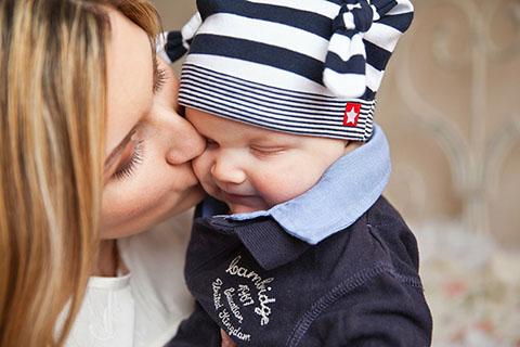 忙しいママにセルフケアのアドバイス!産後のスキンケアなど