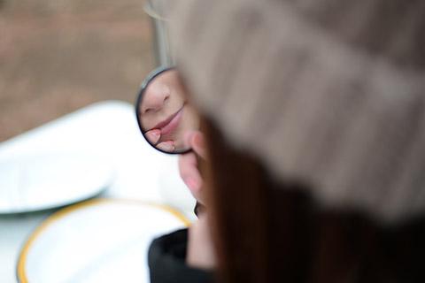 毛穴黒ずみにオイルマッサージ!美容家の教える毛穴汚れを優しく取る方法