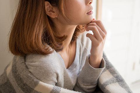 顎のむくみの原因と改善法!美容家に聞くマッサージ方法!簡易版と本格版