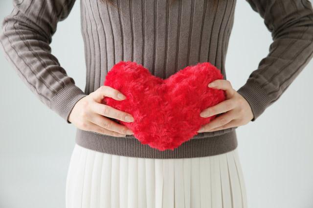 腸もみのやり方!小腸と大腸をマッサージする簡単な方法とは