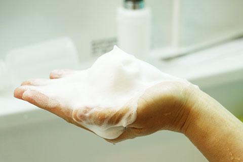 洗顔の泡立て方