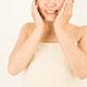 肌をつるつるにする方法6つ!化粧水から食べ物まで!エステ員に聞く