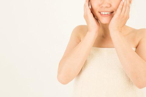 肌つるつるにする方法5つ!美容家がスキンケア方法や食べ物をアドバイス