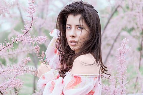 季節の変わり目に肌がゆらぐ原因とは?美容家の教えるスキンケア対策