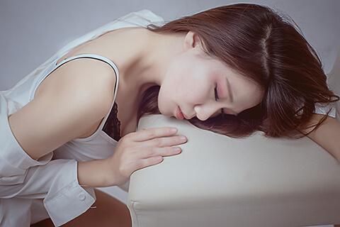 白ニキビの改善に特別ケアは必要なし!美肌専門家に聞く対処法6つ