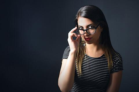 目元のハリを取り戻す!専門家に聞いた目元たるみの改善方法10