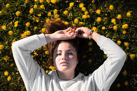 春の肌荒れの原因と改善方法!美容家に聞くスキンケアのポイント7つ