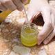蜜蝋で手作りフェイスクリーム!アロマセラピストの教える作り方