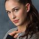 顔のテカリを抑える!脂性肌を改善するには?美容家に聞く10の方法